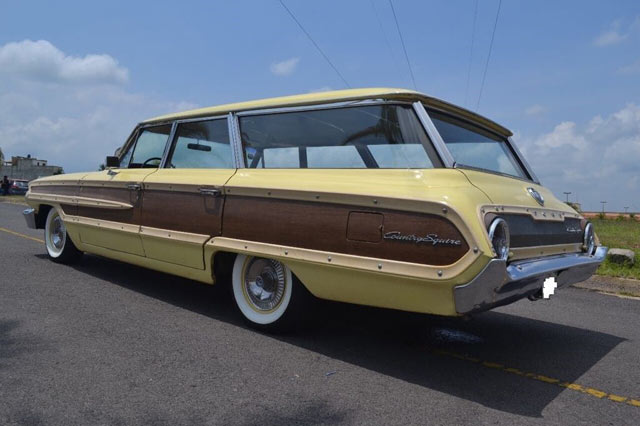 1964 Ford Country Squire 3