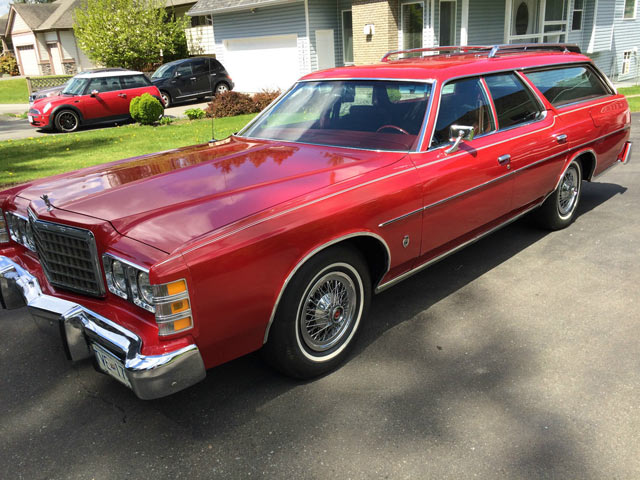 Very Big Red: 1975 Ford LTD | Station Wagon Finder DM53